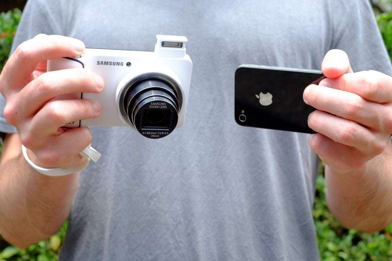 comparing phone cameras and DSLR cameras