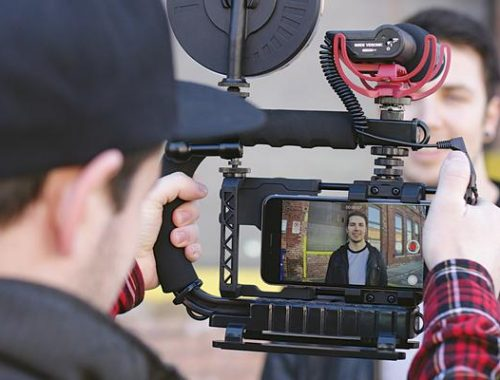 ULTIMATE GUIDE TO FILMMAKING ON A SMARTPHONE